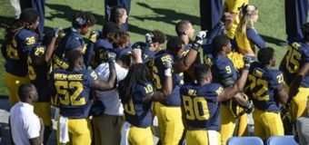 Anthem protests spread to colleges, WNBA player sits